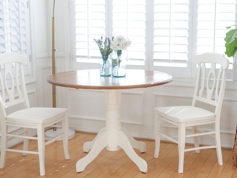 Small dining room? Try a round extendable table