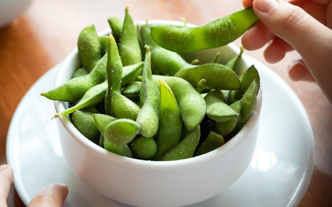 how to eat edamame