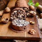 Chocolate salami: a few simple ingredients for a classic dessert!