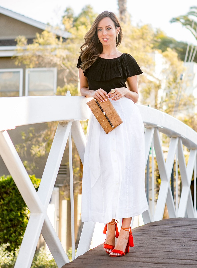 How to match the white skirt