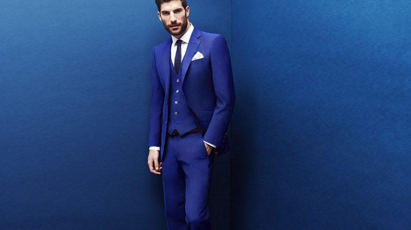 What Is The Best Way To Wear A Blue Suit?