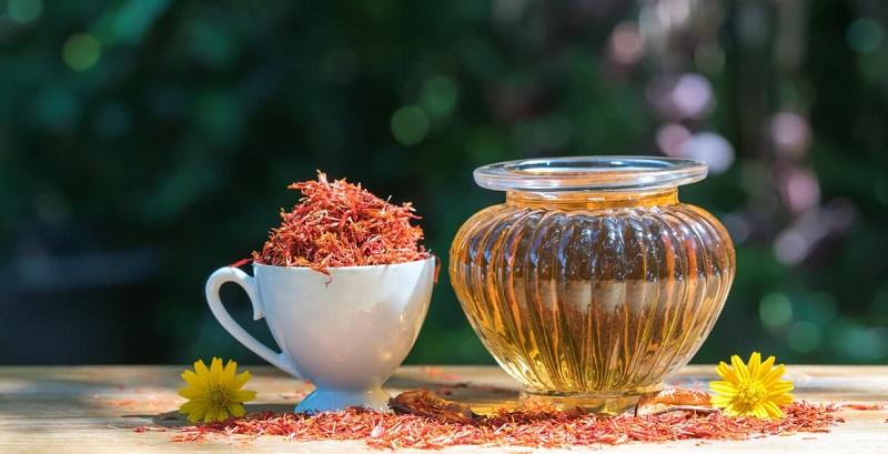 Safflower oil for skin
